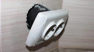 Как починить выпавшую розетку? - Домашние мастера