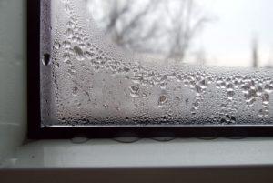 Потеют пластиковые окна. Как устранить проблему?
