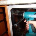 Как самостоятельно установить встраиваемую посудомоечную машину