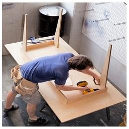 Сборка столов по низким ценам в Москве от специалистов