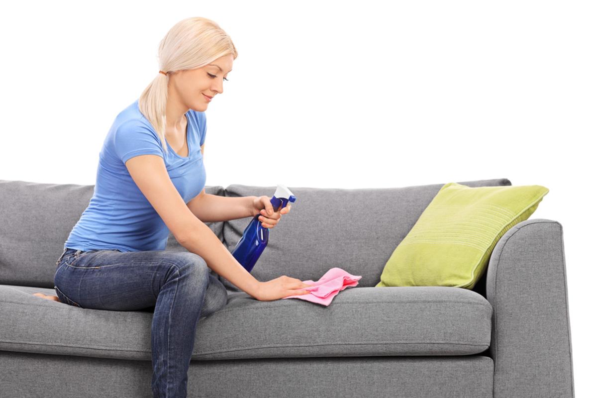 Почистить тканевый диван от пятен в домашних условиях