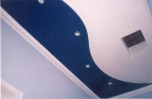 Как покрасить потолок водоэмульсионной краской?