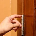 Боремся с проседаниями дверей
