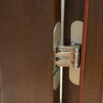 Как врезать петли в дверь своими руками